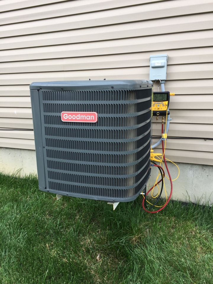 Tipp City, OH - Repairing a Goodman air conditioner in Carriage Trails. Tipp City, OH