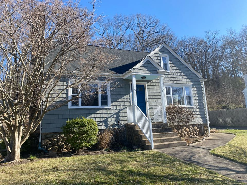 Westerly, RI - Beautiful new charcoal roof in Rhode Island!