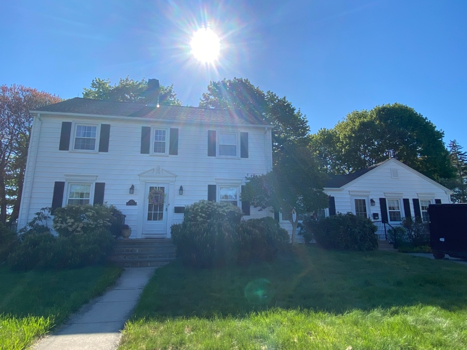 Westerly, RI - GAF HDz charcoal roof, new lead flashing and all new underlayment to top off this beautiful home!