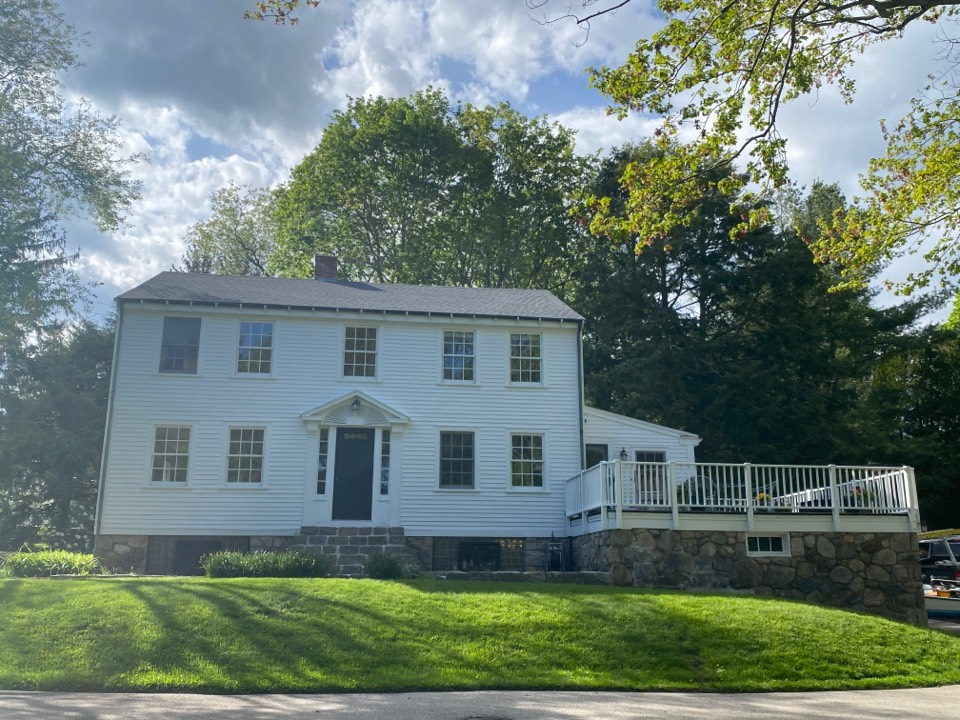 Groton, CT - Beautiful new pewter grey roof! GAF HDz of course.