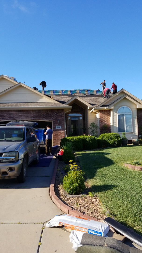 Wichita, KS - New roof replacement job in Wichita. Roofed with Certain-teed shingles.