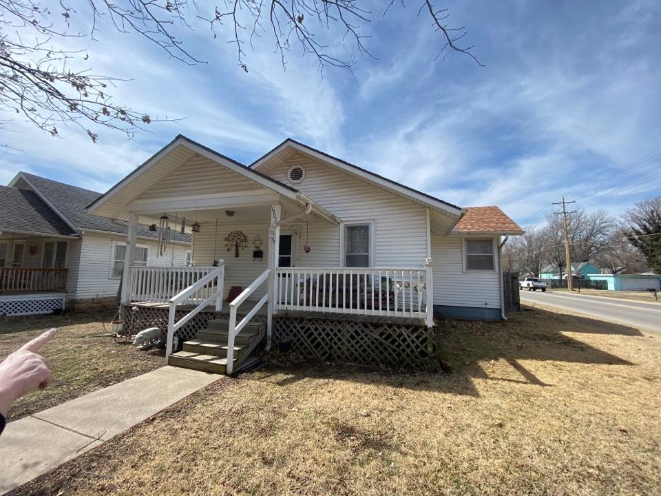Winfield, KS - Porch estimate to add on porch