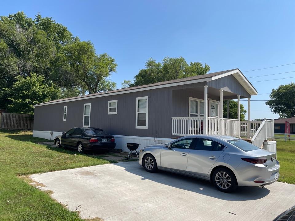 Augusta, KS - Roof inspection laminate shingles