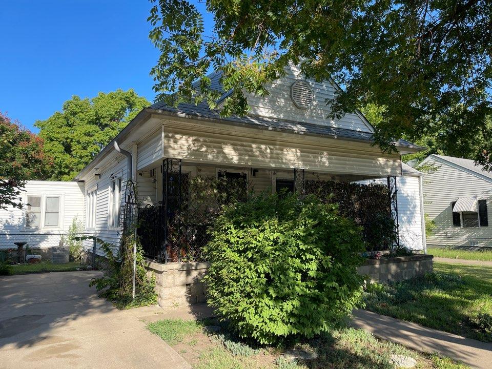 Wichita, KS - Roof inspection for leaking roof.