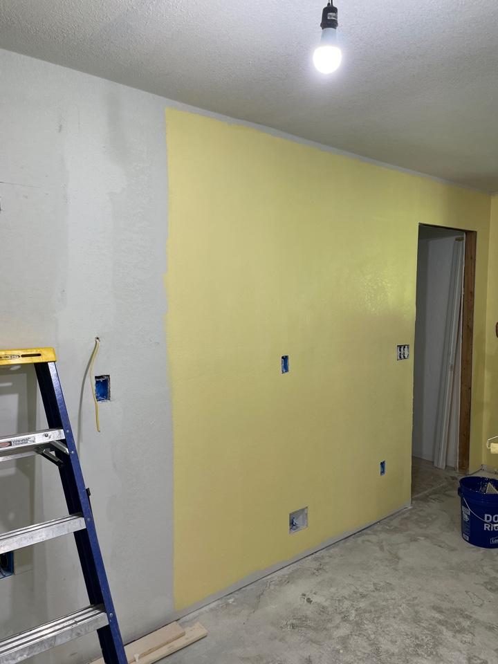 Broken Arrow, OK - Kitchen paint with Behr !