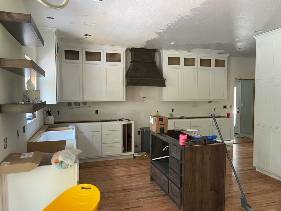 Owasso, OK - Install cabinets!
