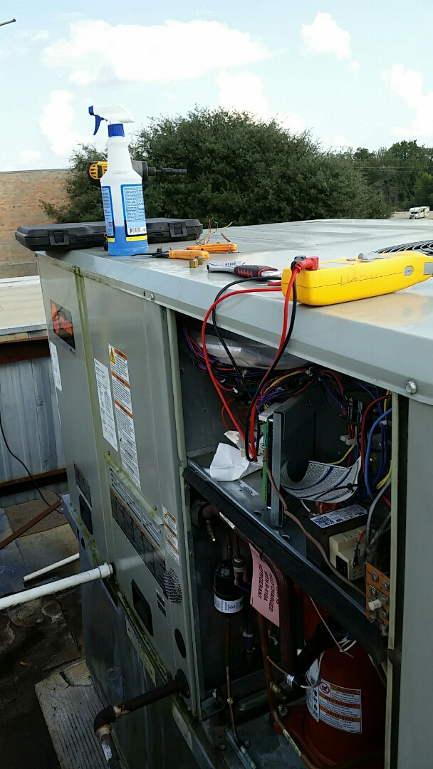 Mount Enterprise, TX - No cooling. Low refrigerant