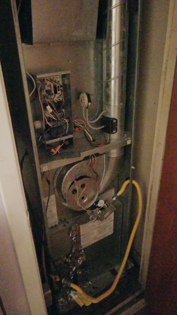 Overton, TX - Servicing a mobile home furnace