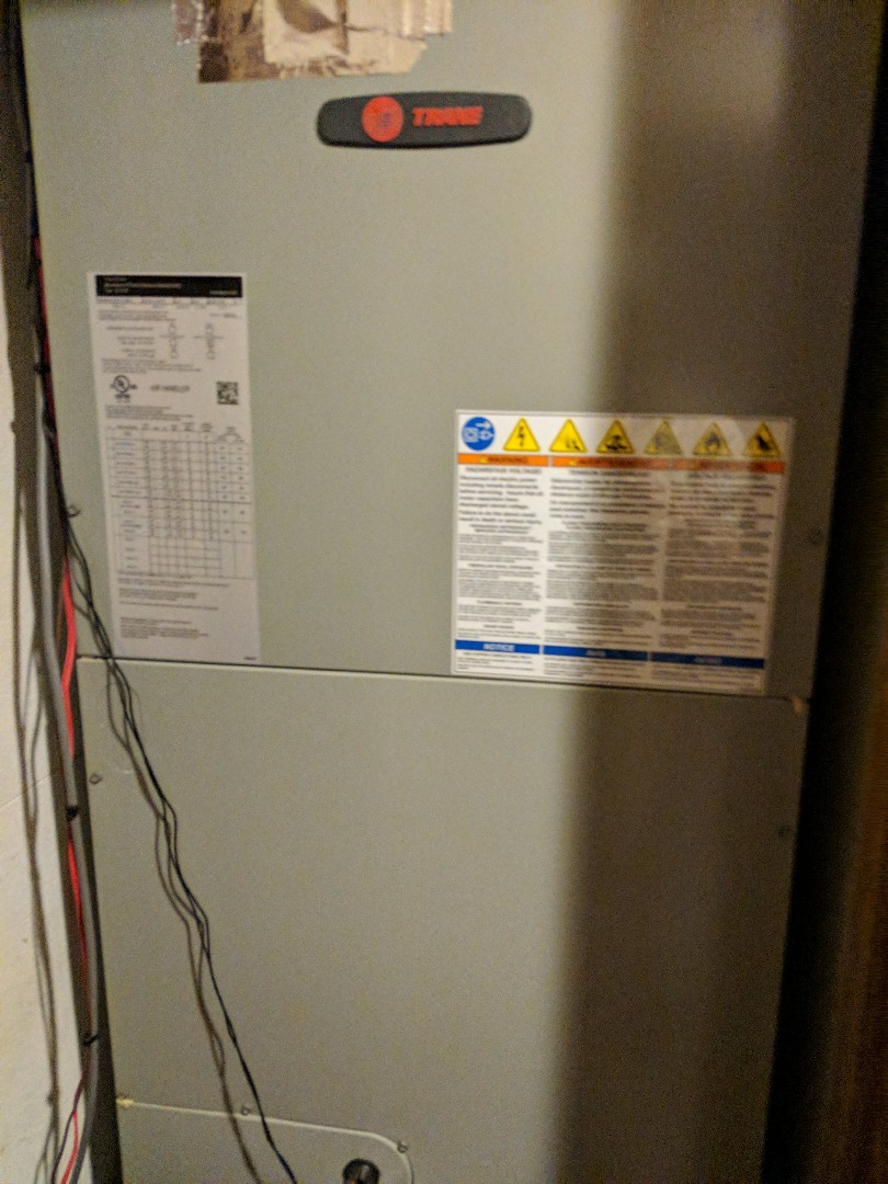 Longview, TX - Performing a courtesy check/maintenance on a new Trane