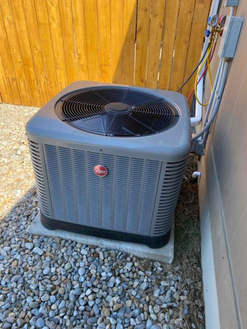 Deer Park, WA - Checked out system in extreme heat.  Unit tested at normal ranges and is struggling with the heat.