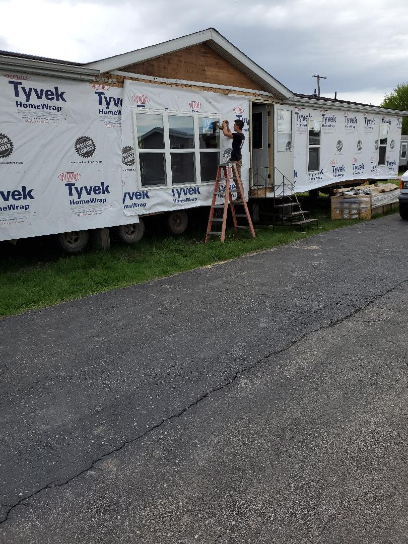 Oskaloosa, IA - Refurbishing used home for new customer,  going to century mobile home park in oskaloosa