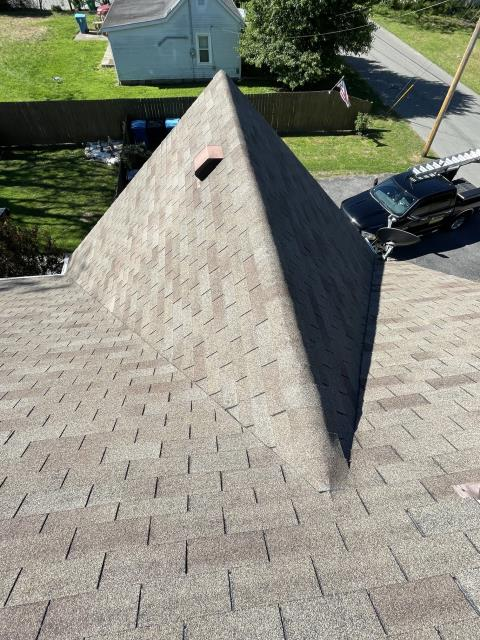 Danville, KY - Called requesting an inspection. Take pictures and give a professional opinion of the age of the roof and if there is underlayment. It is about a 30sq roof.
