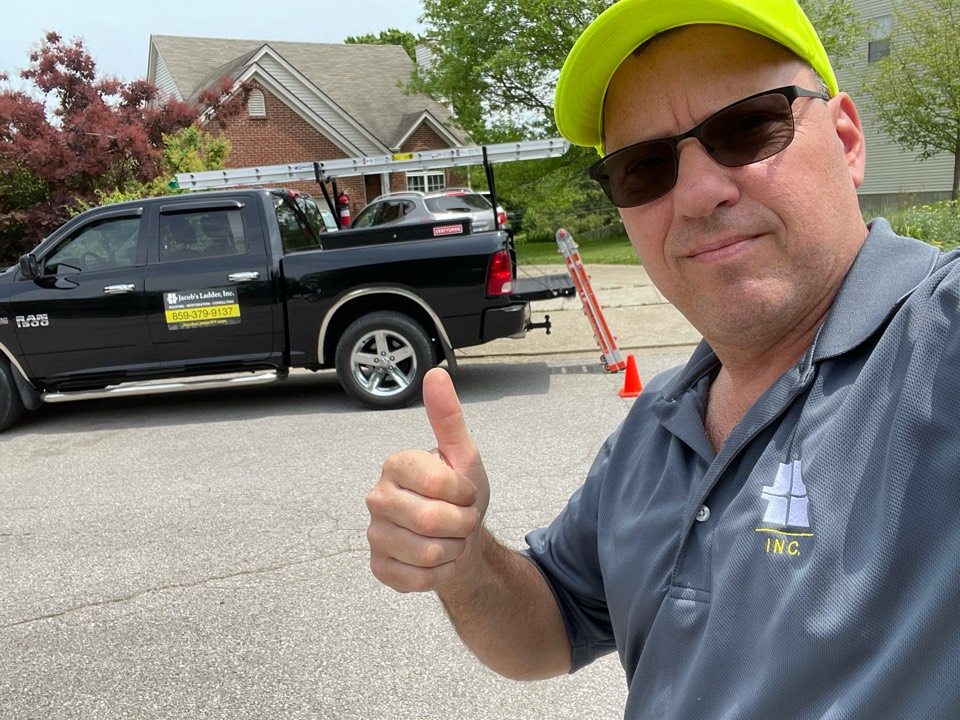 Nicholasville, KY - Free roof inspection coming up! Your neighborhood roofer here in Britney Heights subdivision Nicholasville KY.