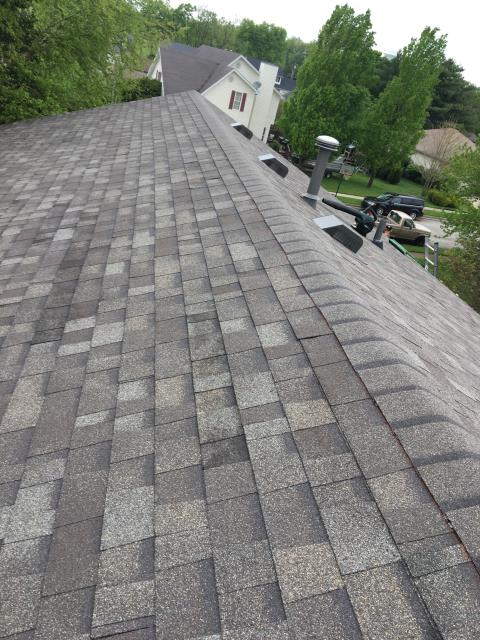 17 square of Owens Corning Dimensional color Driftwood