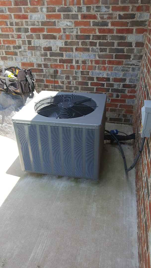 Edmond, OK - Finding refrigerant system is low on refrigerant r410a for Rheem condensing unit on West Side of home replacing run capacitor and installing new hard start kit as well as at AC renew 2 refrigerant system we're Central hbac residential Home Comfort air conditioning system