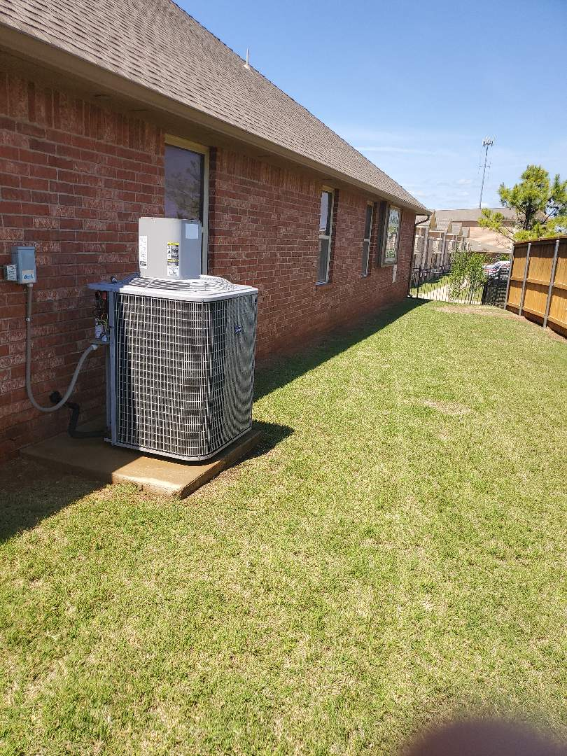 Oklahoma City, OK - Carrier ac Condensing unit model number Ca16na060-a annual precision tune up service for homeowner near Britton Rd no ac repair needed