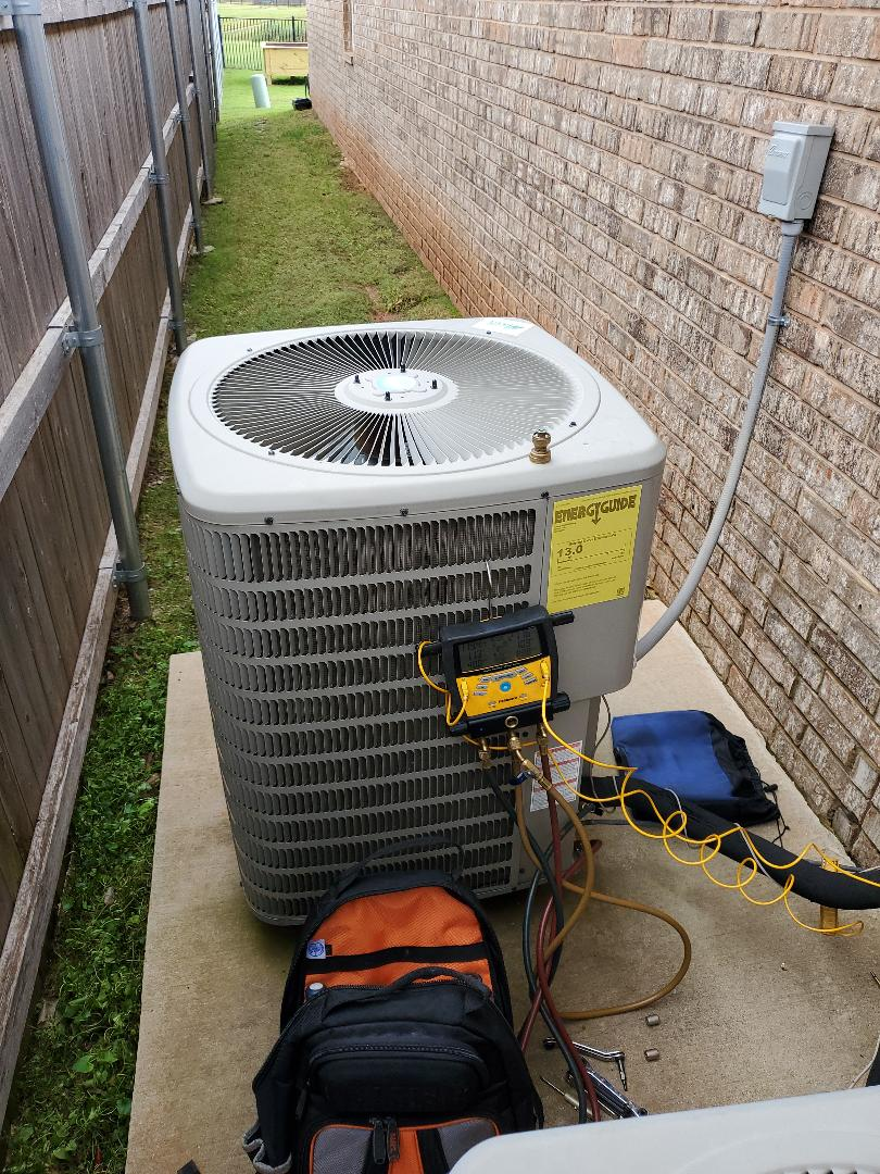 Edmond, OK - Gmc condensing unit 240v Main unit for house R410a refrigerant txv expansion valve Suction pressure 119 psi 10 degrees superheat 40 degree saturation vapor 50 degree temp on suction line High side 272 psi 11 degrees subcooling 88.8 degree bubble saturation point refrigerant 77.8 degree temp on liquid line No air conditioner repairs needed currently