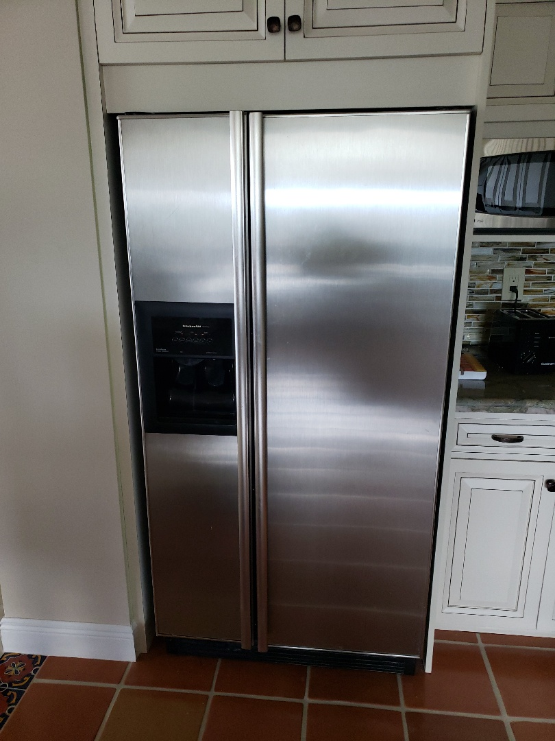 Hollywood, FL - Kitchenaid refrigerator  ice maker out