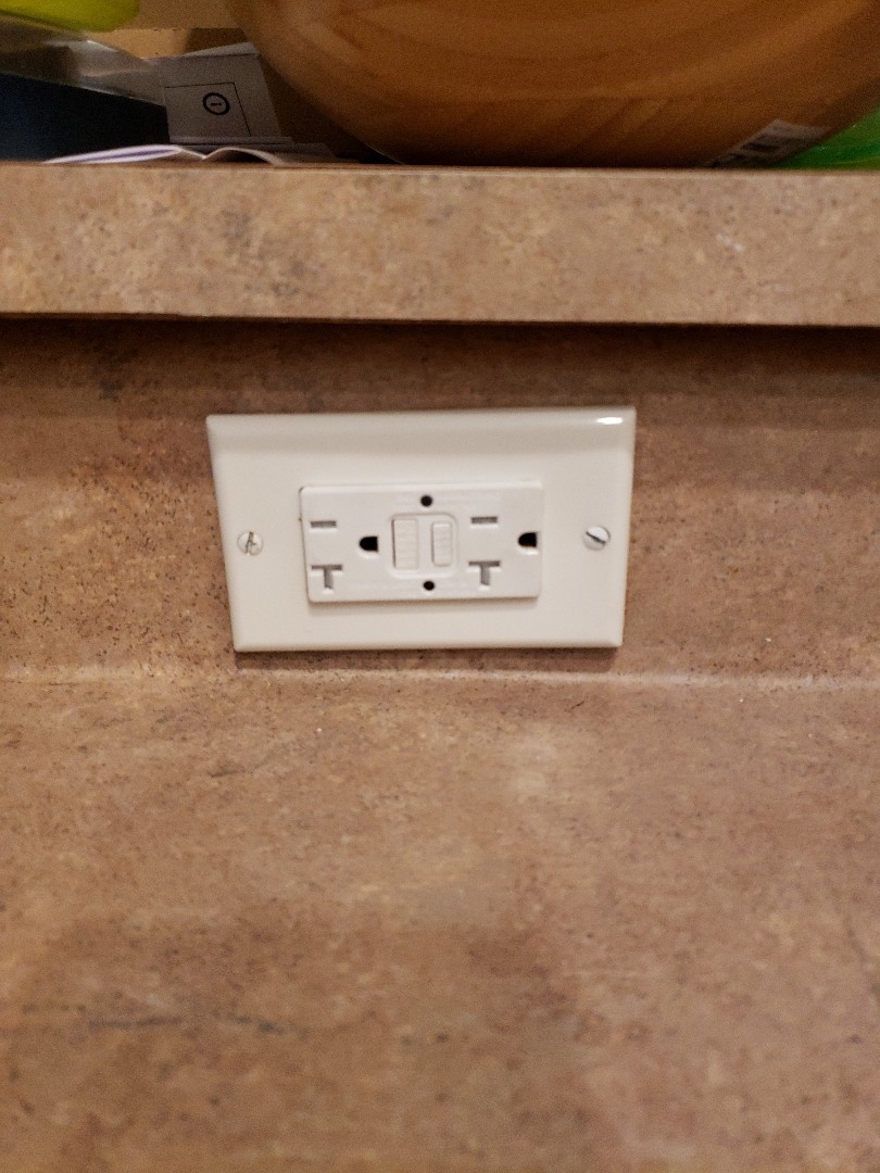 GFI wall outlet out