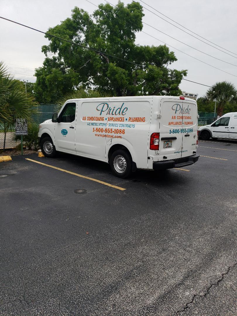Hallandale Beach, FL -  Customer toilet handle not working
