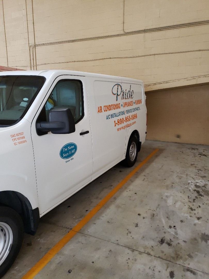 Fort Lauderdale, FL - Customer master toilet  leaking at the base
