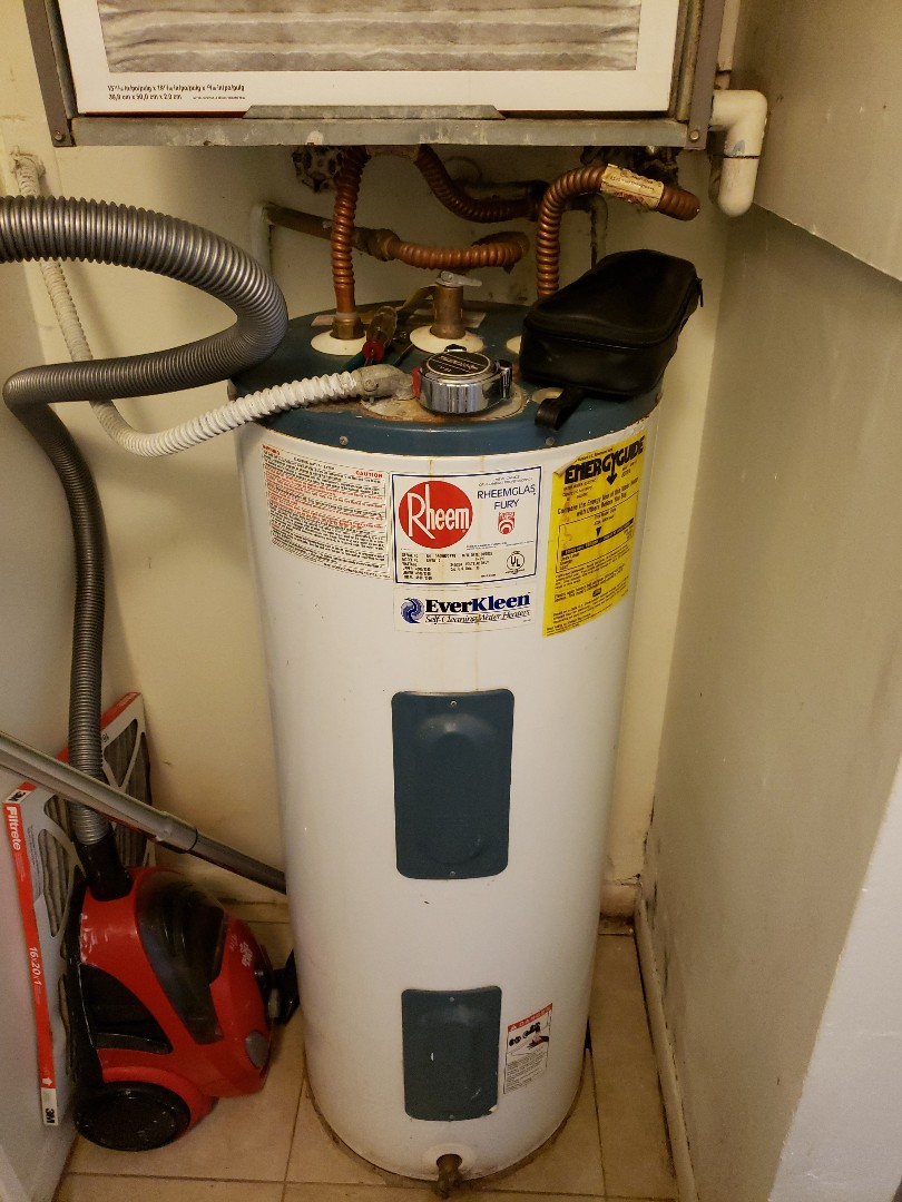 Pompano Beach, FL - Water heater measurement for replacement