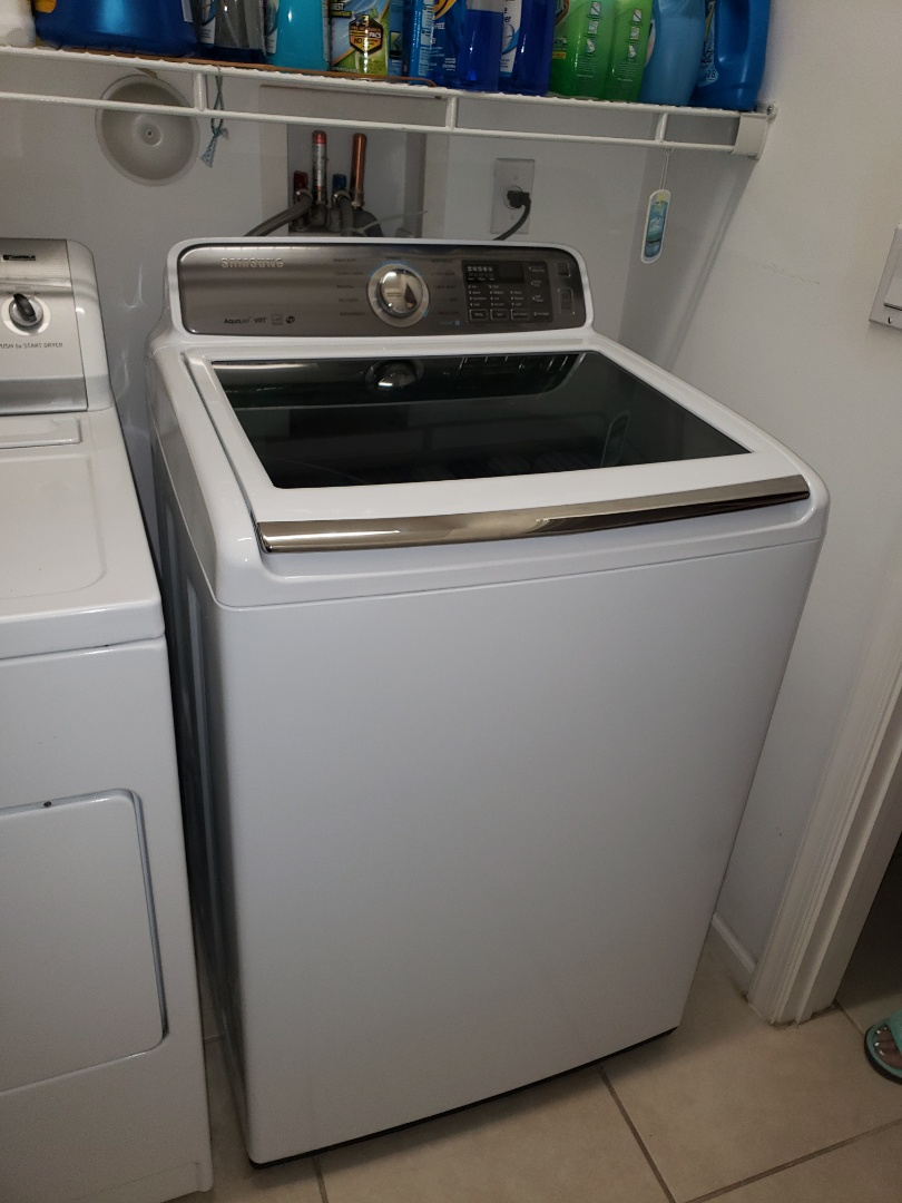 Royal Palm Beach, FL - THE TECHNICIAN IS REPAIRING A SAMSUNG WASHER.