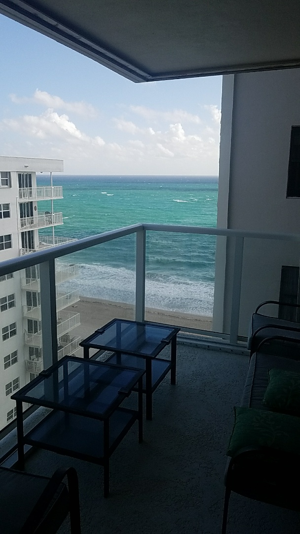 Pompano Beach, FL - Water damage and mold damage inspection. Humidity driven mold. Unit is close to the ocean.