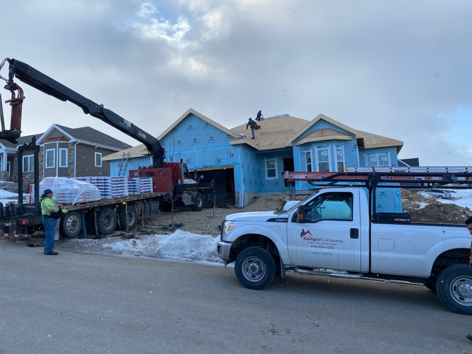 Waunakee, WI - New Roof to start out a new week!