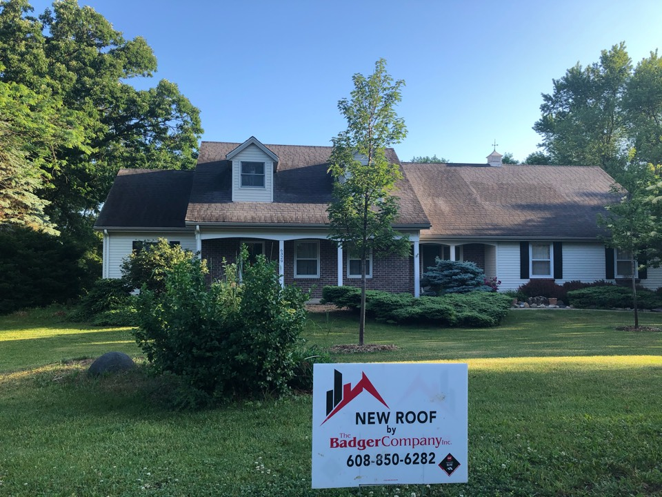 Sun Prairie, WI - Another sunny day = another reroof! Setting up for a successful day.
