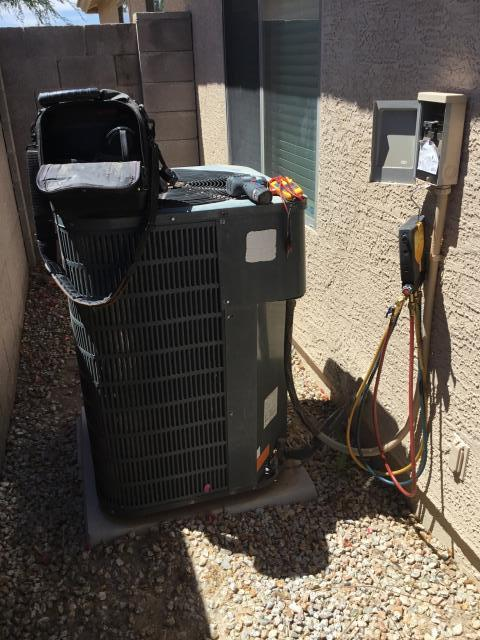 In Queen Creek doing a tune up on a Goodman split system! Unit is in great condition and is cooling properly!