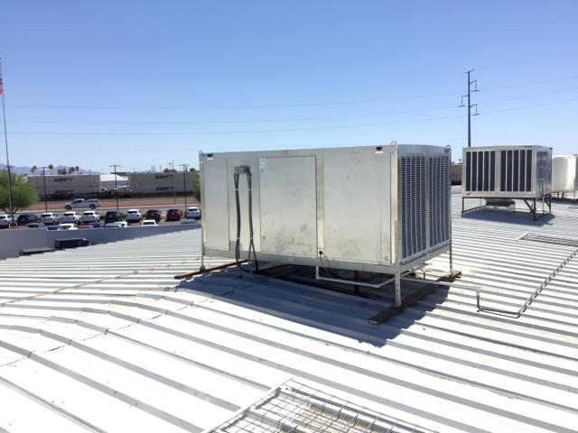 Glendale, AZ - In Glendale working on a commercial cooler reset float and turned down the bleed rate on the unit.