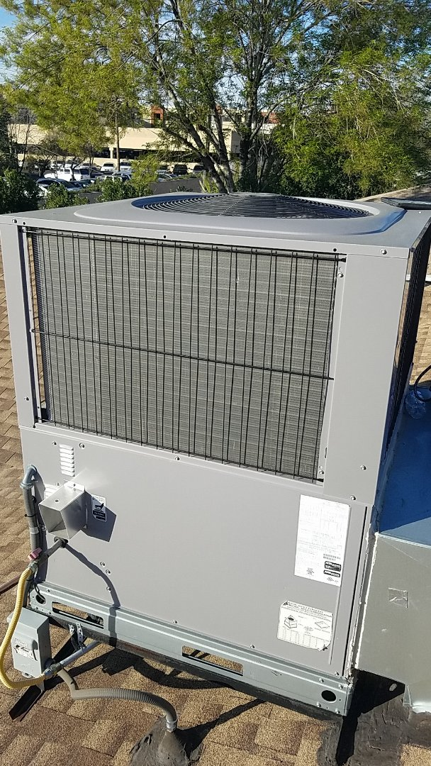 Scottsdale, AZ - In Scottsdale Arizona performing an indoor and out door coil clean!