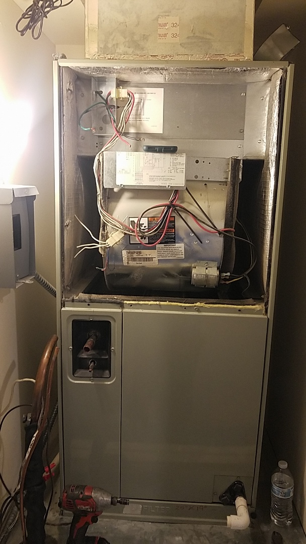 Sun City West, AZ - Installing a new 16 seer heat pump split in Sun City West, AZ