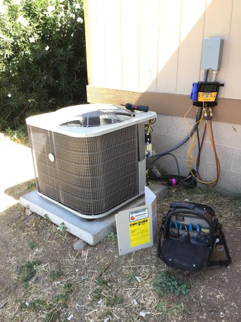 Black Canyon City, AZ - In Black Canyon City, AZ:  Completed quality inspection on a new 4 ton, straight cool 14 seer mobile heat strip split system 14 seer rating.