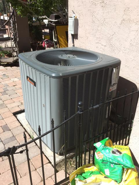 Glendale, AZ - In Glendale, AZ:  DIAGNOSTIC-  70/5 capacitor failed; replaced part. Checked charge and amp draws. System working properly upon departure. Service complete.