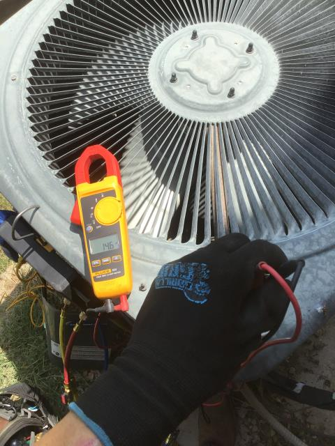Gilbert, AZ - In Gilbert, AZ:  DIAGNOSTIC-  Upon arrival, found capacitor bad; preventing compressor from cycling. Replaced part. Checked amp draws and charge. Unit is working properly and within manufacturer specifications. Service complete.