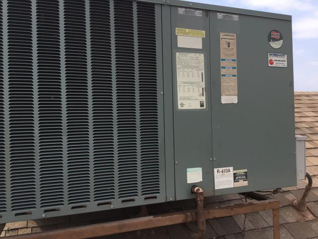 Glendale, AZ - In Glendale, near West Orange Drive and 93rd Lane performing a diagnostic on a Rheem package heat pump. Installed new motor and capacitor. Parts all running proper although system is on the older side.