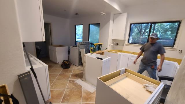 Tomball, TX - New kitchen cabinet installation!
