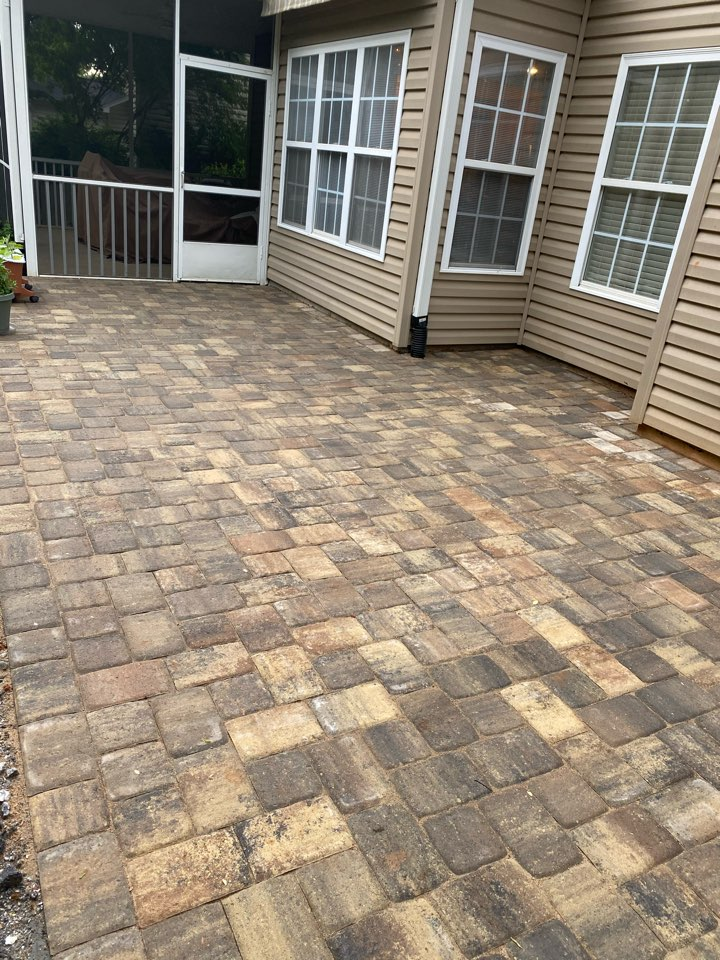 Simpsonville, SC - Installed paver patio near Simpsonville.