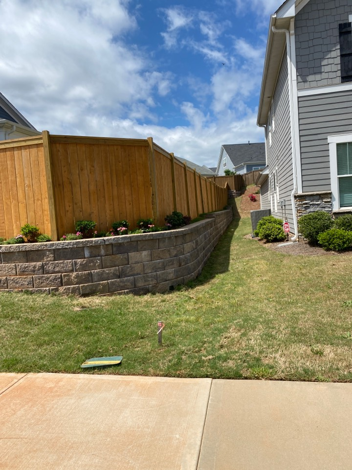 Simpsonville, SC - Install retaining wall in Simpsonville