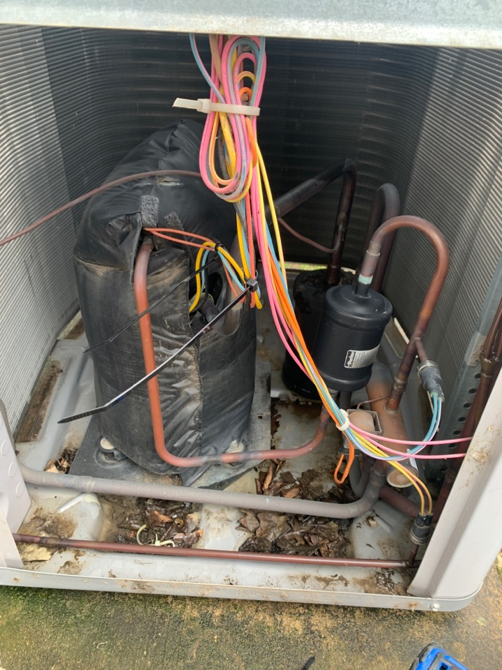 Anna, TX - Service call heater not working. Found thermostat blank short in the system repaired control wires
