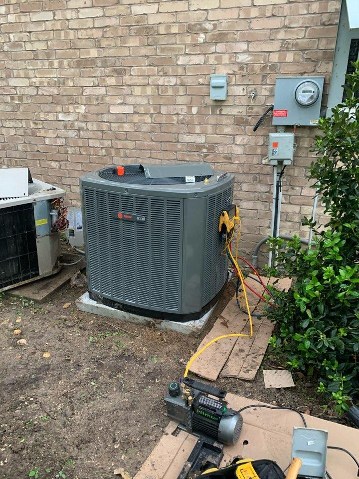 Frisco, TX - AC system replacement Trane. 5 Ton Gas 18 XV