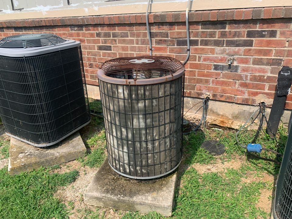 Anna, TX - AC maintenance. Washed out condenser coil's and evaporator cleaning