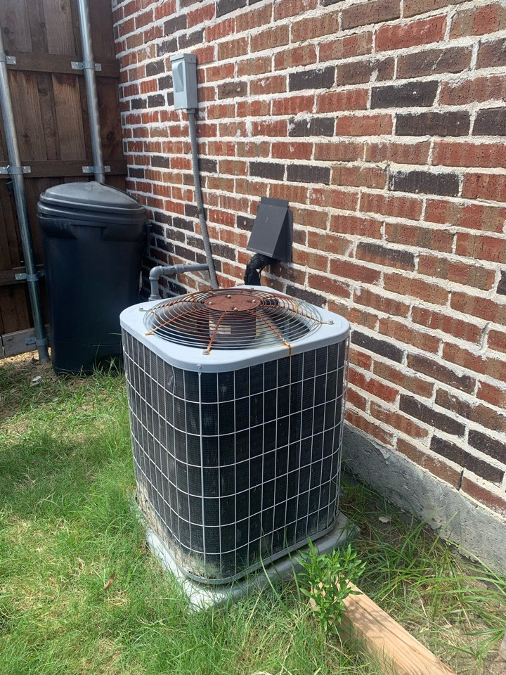 Denison, TX - AC service. System not performing well