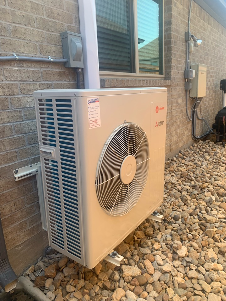Van Alstyne, TX - Mitsubishi ductless system installation