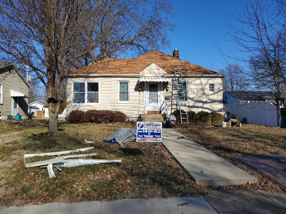 Belleville, IL - A blank canvas ready for the new Timberline HD easy charcoal roofing system here and beautiful Belleville Illinois