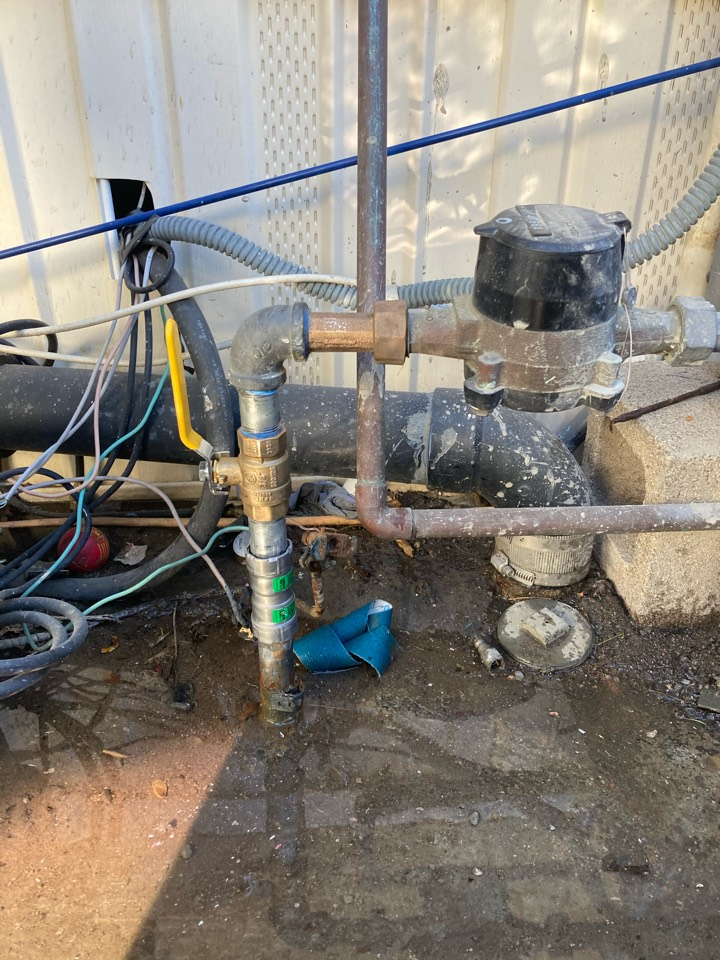 Oxnard, CA - Plumber repaired leaking water service on galvanized pipe.