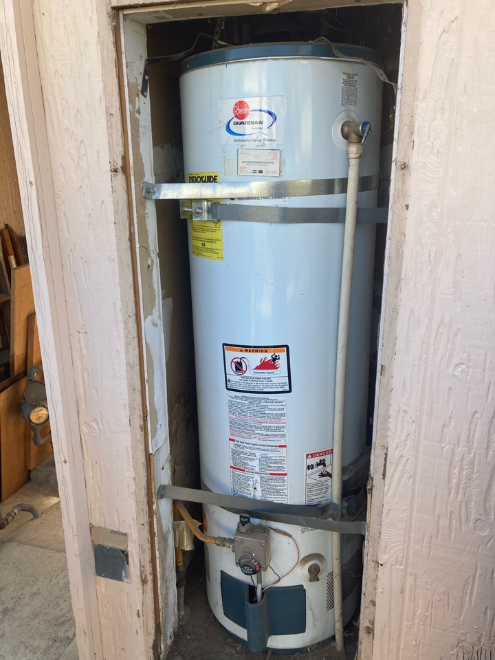 Ventura, CA - Plumber gave estimate to replace 40 gal water heater.