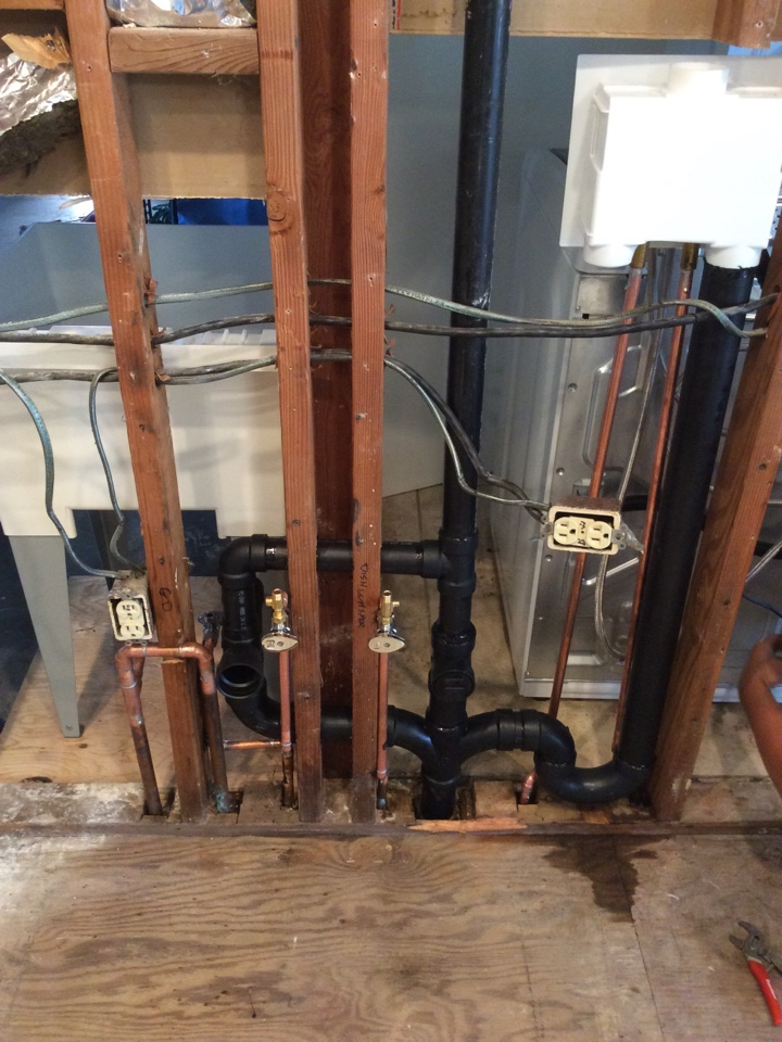 Oak View, CA - Plumber needed to re-work Water Lines and drain Lines in kitchen